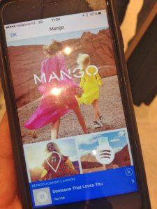 mango shazam in store xusgarcia cx 225x300 - La nueva flagship de Mango: la tecnología en la experiencia de tienda